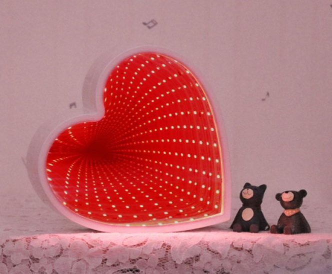 Heart Shaped Infinity Mirror (Optical Illusion)