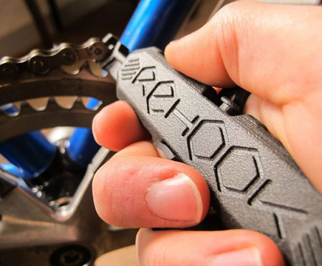 Rehook Get your chain back on your bike in 3 seconds